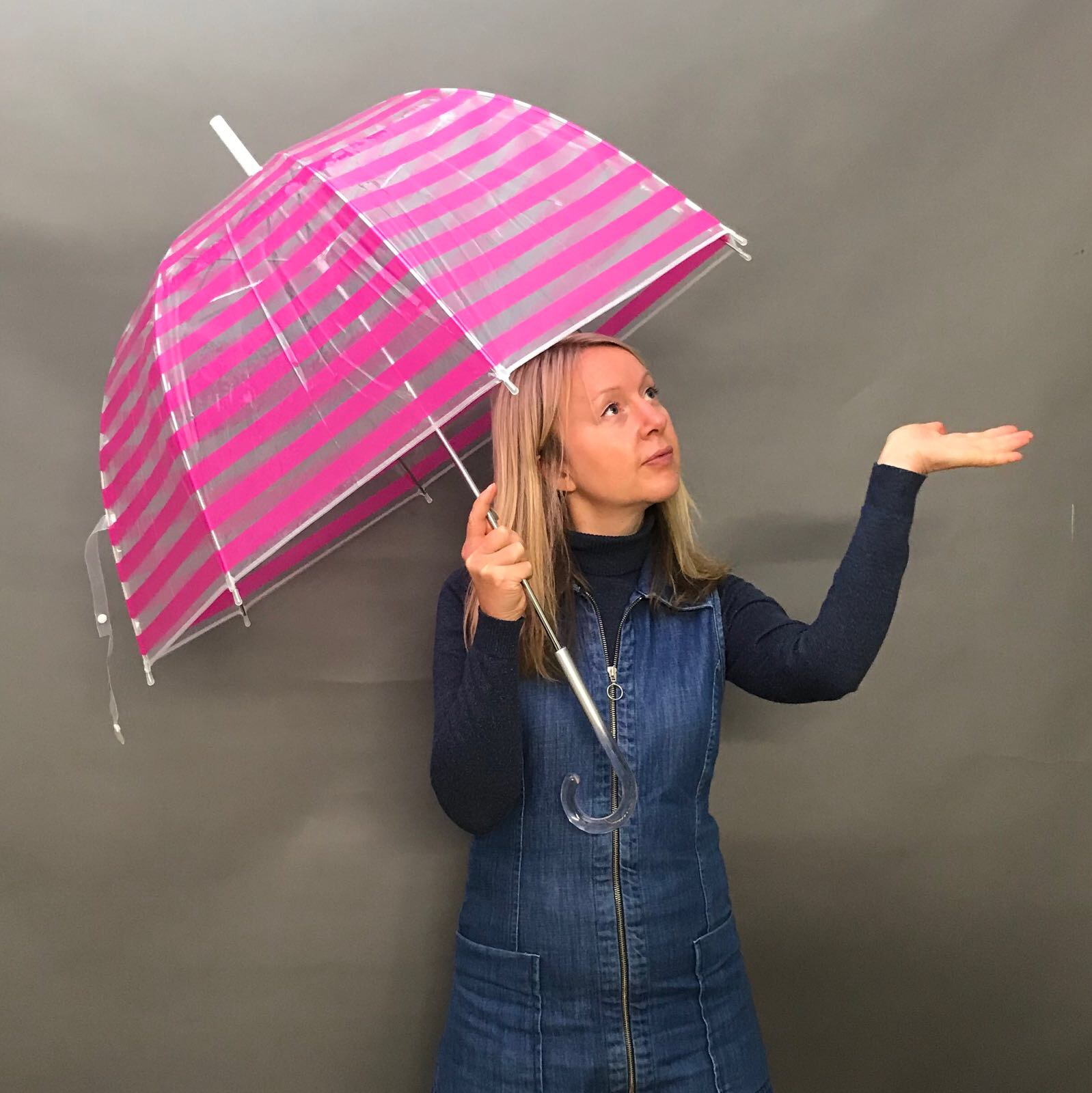 Katya Willems Instagram Trainer with umbrella